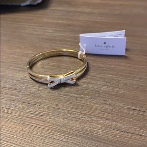 Kate Spade NWT Gold & White Bow Bracelet